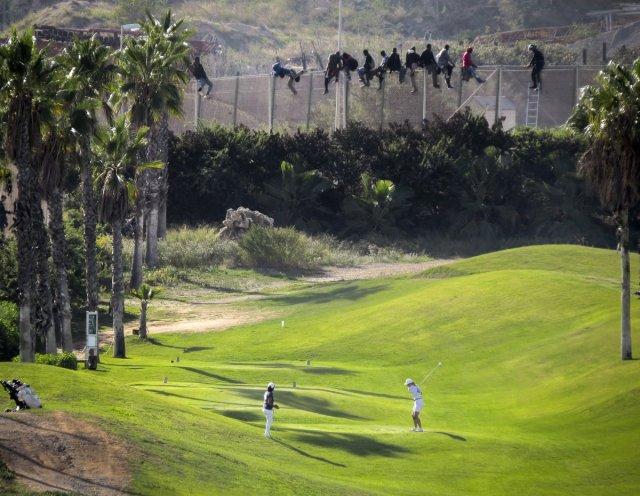 migrants-golf-spain-morocoo
